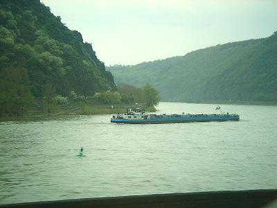 Rhein_zug