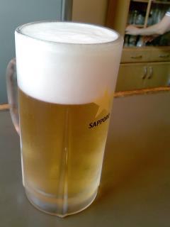 まずは一杯。